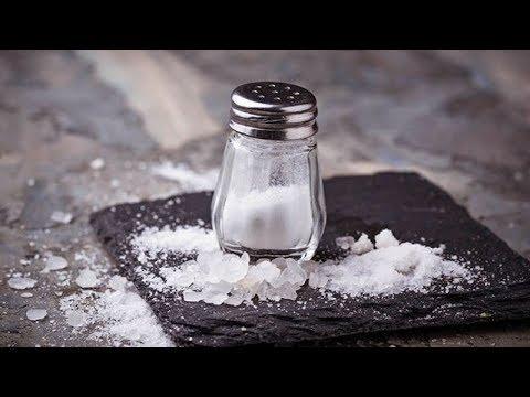 Пять способов снятия порчи и сглаза солью